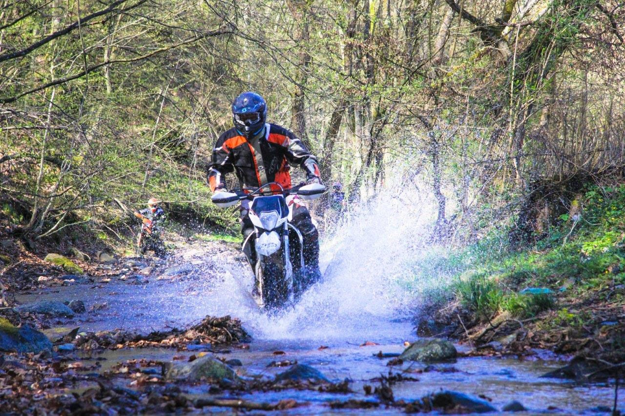 Enduro-Tours-Romania-Emy-sl2